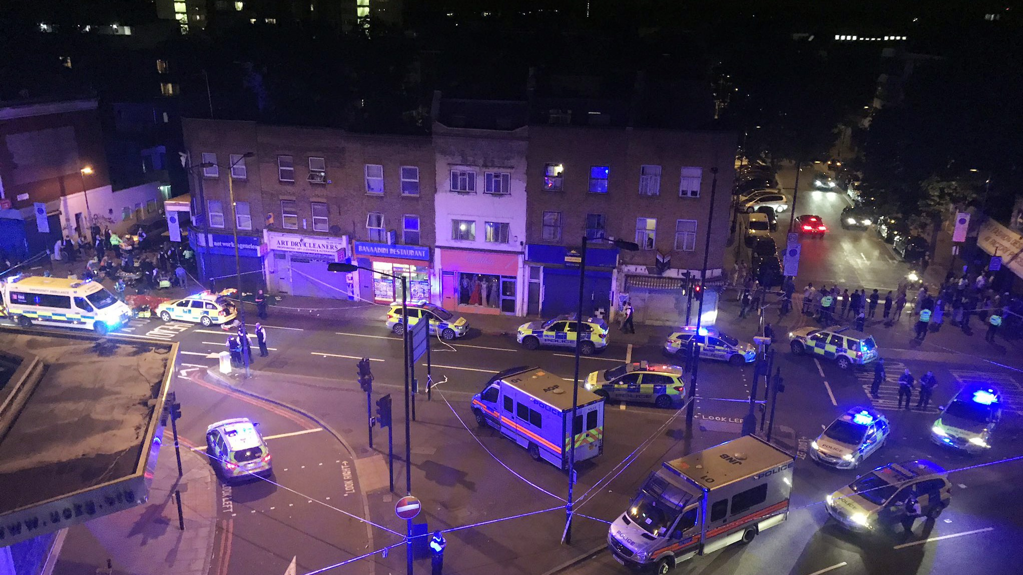 1 arrested after vehicle strikes pedestrians in London